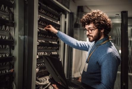 Server Management Expert - CSE