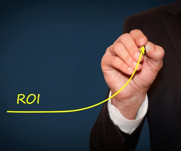 DELIVERING A SUPERIOR ROI AND MINIMIZING RISK